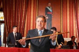 Imagen extraída de http://www.elmundo.es/blogs/elmundo/svq/2011/06/14/zoido-y-la-ley-de-dios.html